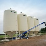 4 smooth wall bins with belt auger